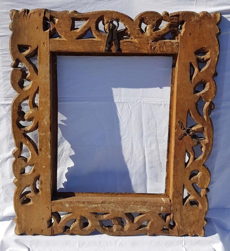 Italian Carved Wooden Frame, Italy, 17th Century, Florence Baroque Mirror For Sale 7