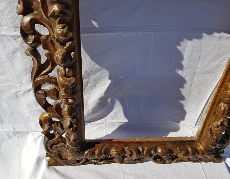 Italian Carved Wooden Frame, Italy, 17th Century, Florence Baroque Mirror For Sale 2