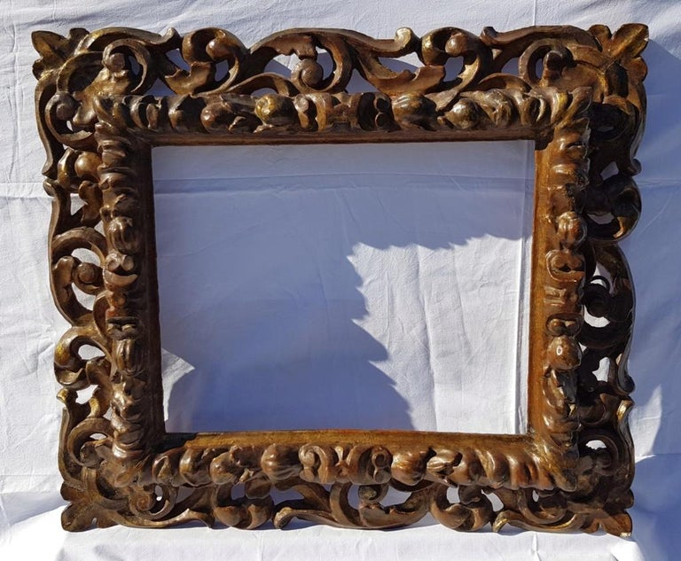 Italian Carved Wooden Frame, Italy, 17th Century, Florence Baroque Mirror For Sale 3
