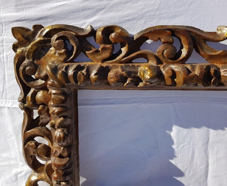 Italian Carved Wooden Frame, Italy, 17th Century, Florence Baroque Mirror For Sale 5