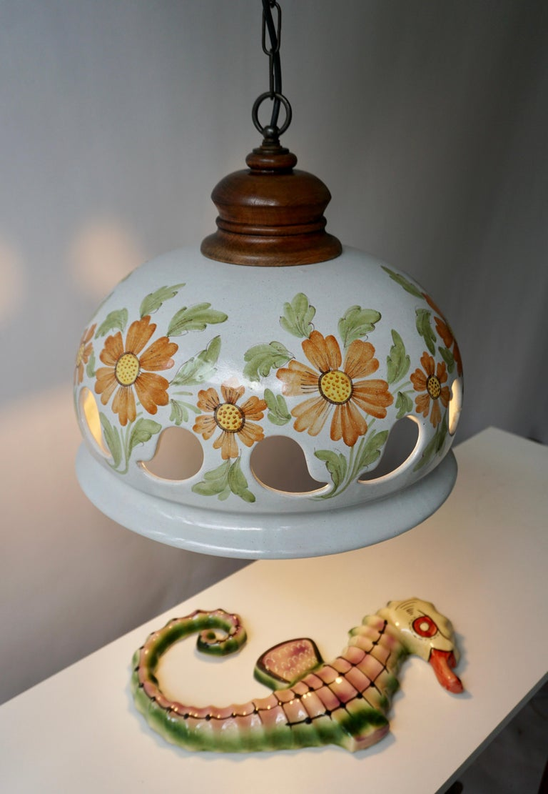 Italian Ceramic Lamp with Flower Decoration, 1970s In Good Condition For Sale In Antwerp, BE