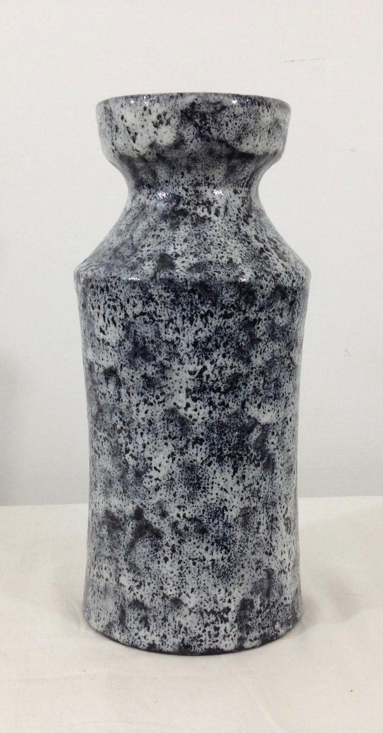 Italian Ceramic Vase by Raymor In Good Condition For Sale In Los Angeles, CA