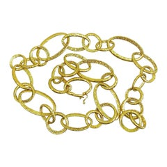 Italian Chain Necklace with Oversized and Textured Links in 18 Karat Yellow Gold