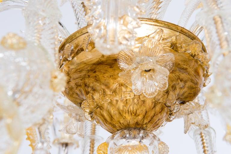 Italian Chandelier in Blown Murano Glass 24-Karat Gold Giovanni Dalla Fina 1980s For Sale 5