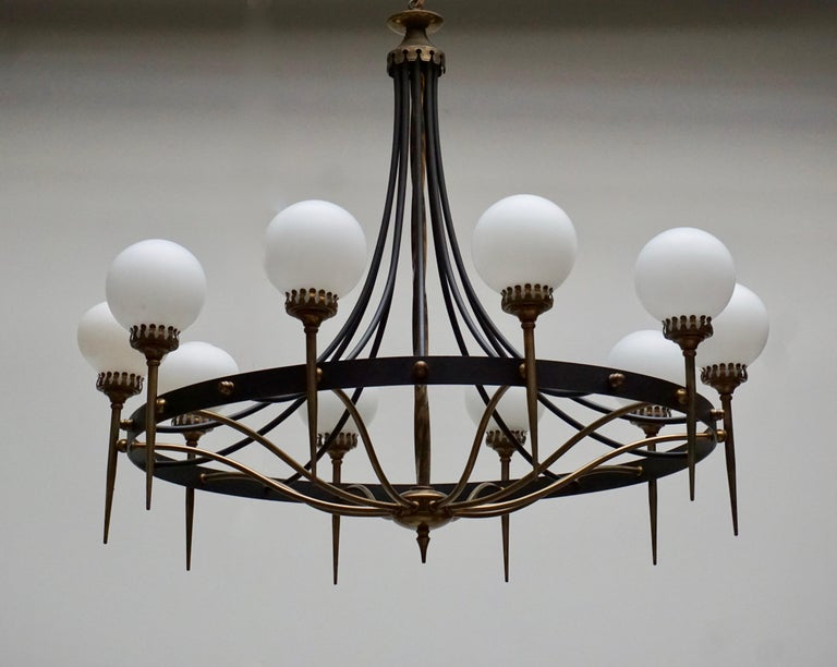 Italian Chandelier in Brass and Murano Glass For Sale 7