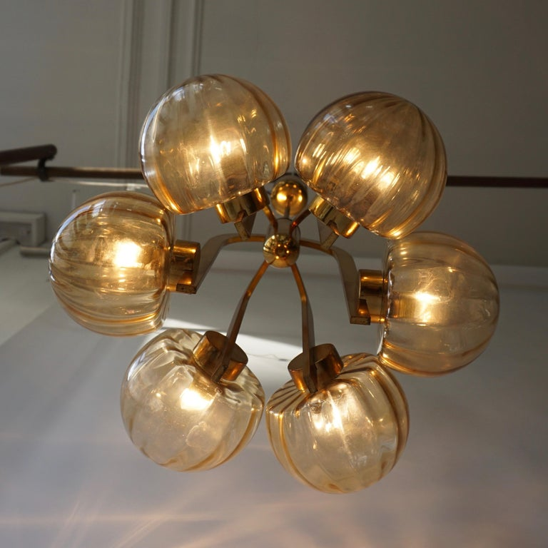 Italian Chandelier in Brass and Murano Glass For Sale 15