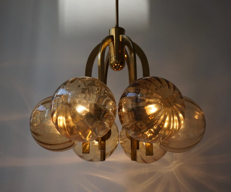 Mid-Century Modern Italian Chandelier in Brass and Murano Glass For Sale