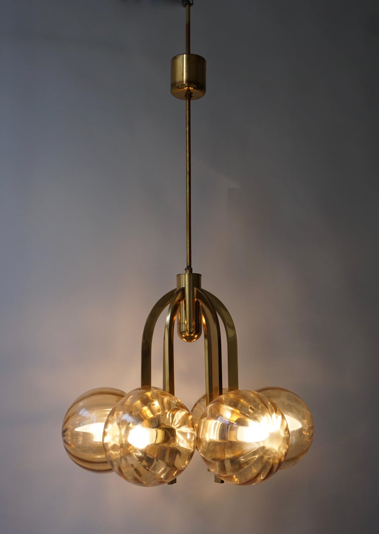 Italian Chandelier in Brass and Murano Glass For Sale 1