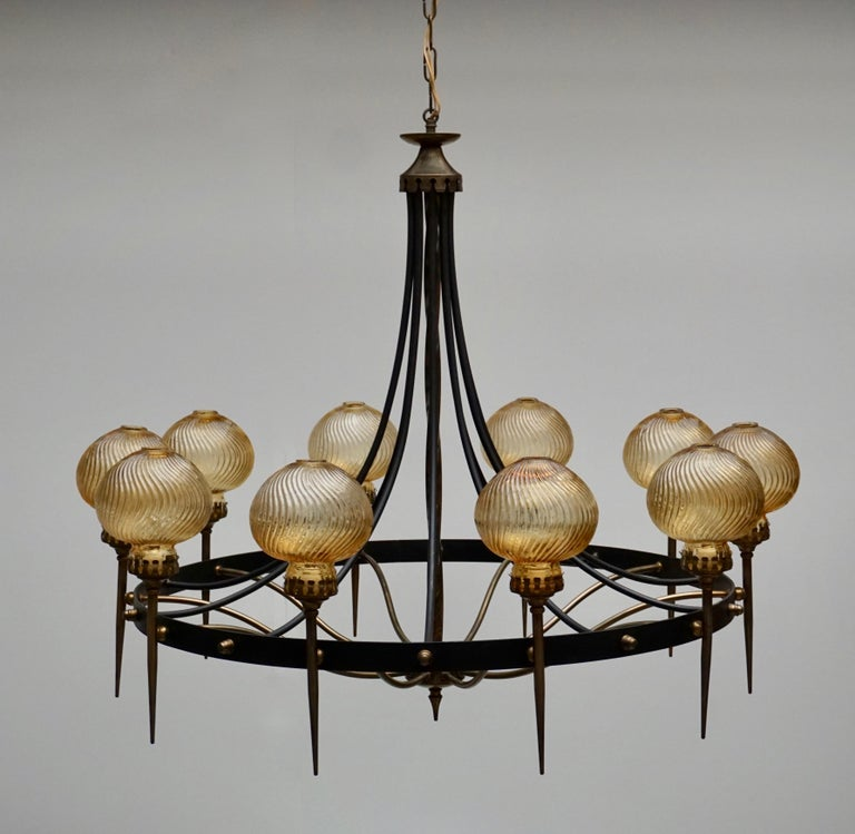 Italian Chandelier in Brass and Murano Glass For Sale 2