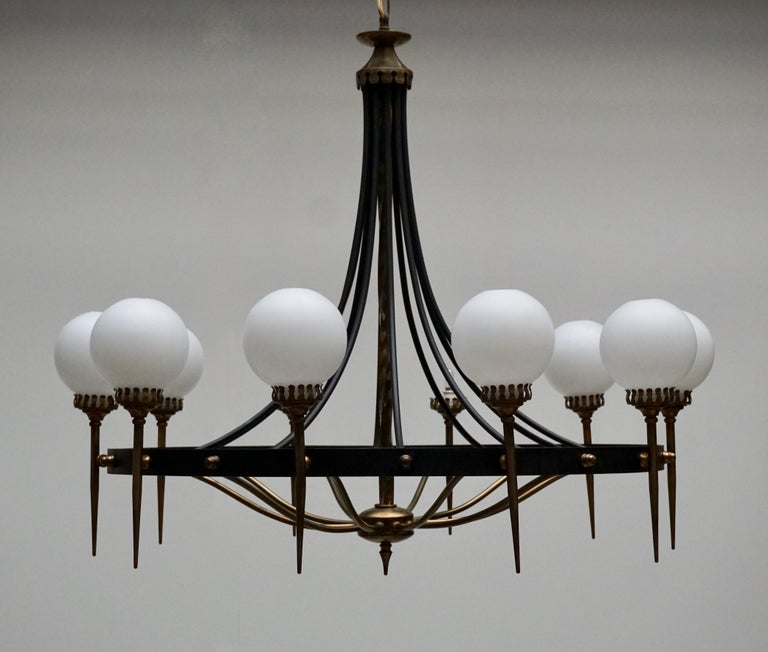 Italian Chandelier in Brass and Murano Glass For Sale 3