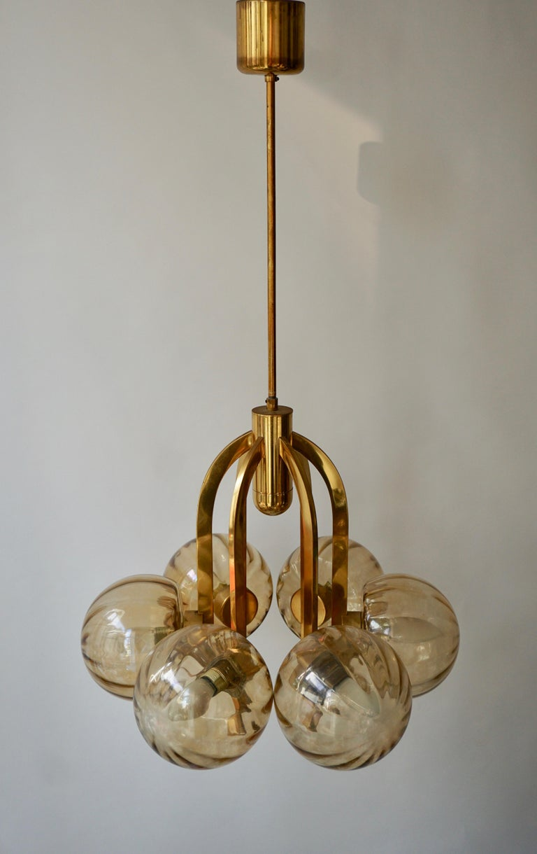 Italian Chandelier in Brass and Murano Glass For Sale 4
