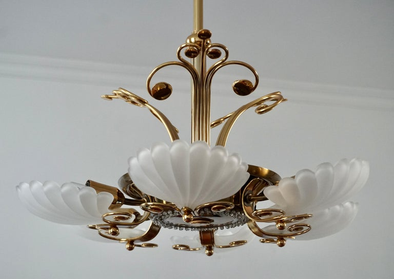 Italian Chandelier in Brass with Murano Glass Shells, 1970s For Sale 6