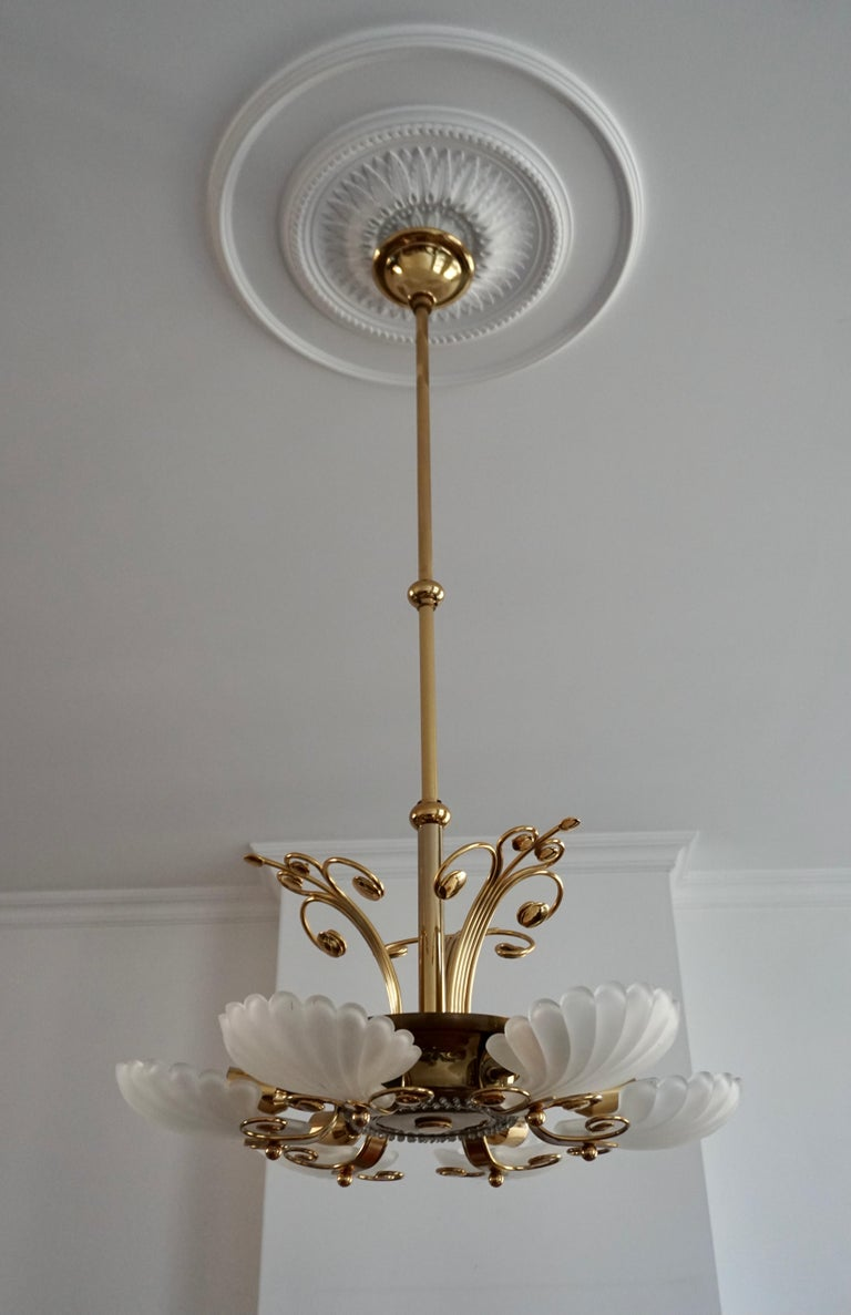 Italian Chandelier in Brass with Murano Glass Shells, 1970s For Sale 8