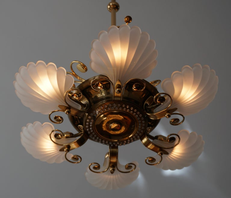 Italian Chandelier in Brass with Murano Glass Shells, 1970s For Sale 9