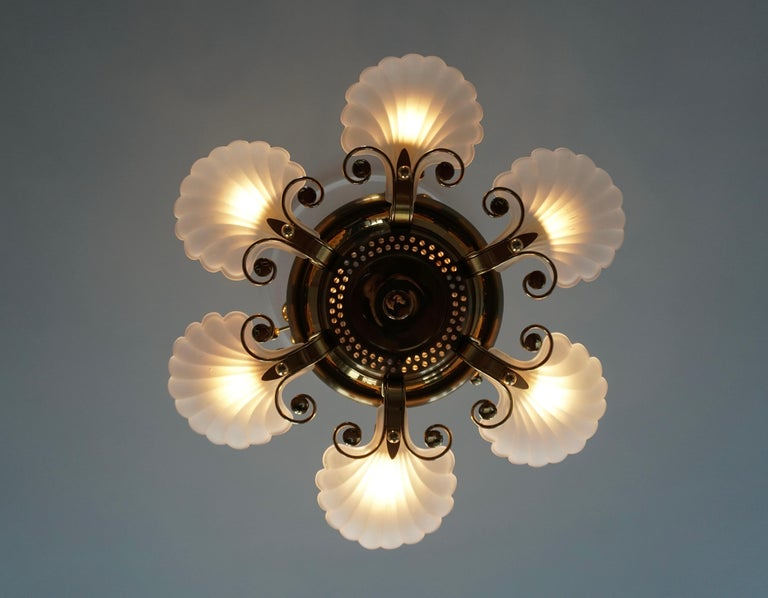 Hollywood Regency Italian Chandelier in Brass with Murano Glass Shells, 1970s For Sale