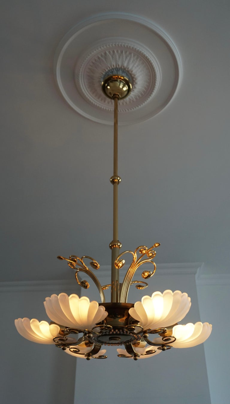 Italian Chandelier in Brass with Murano Glass Shells, 1970s In Good Condition For Sale In Antwerp, BE