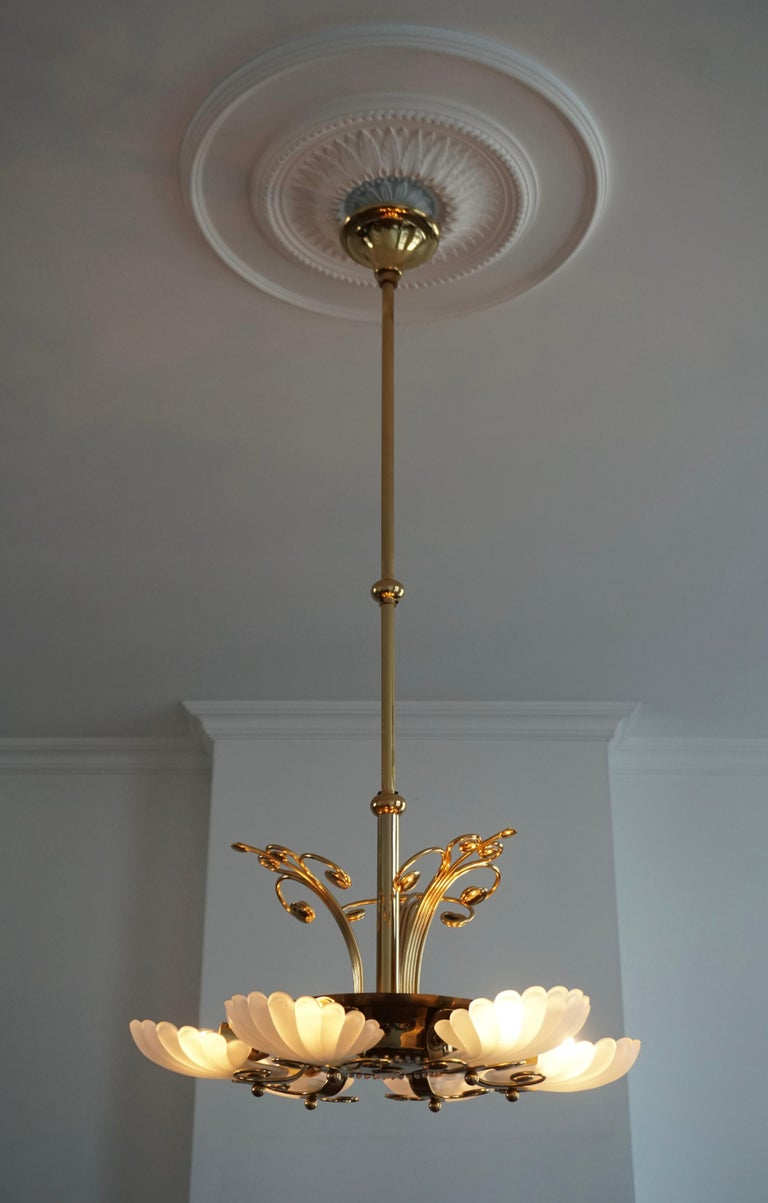 Italian Chandelier in Brass with Murano Glass Shells, 1970s For Sale 1