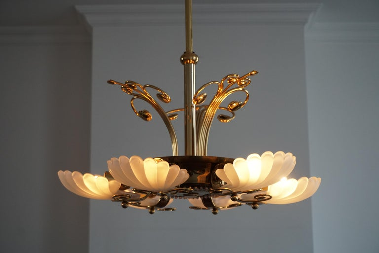 Italian Chandelier in Brass with Murano Glass Shells, 1970s For Sale 3