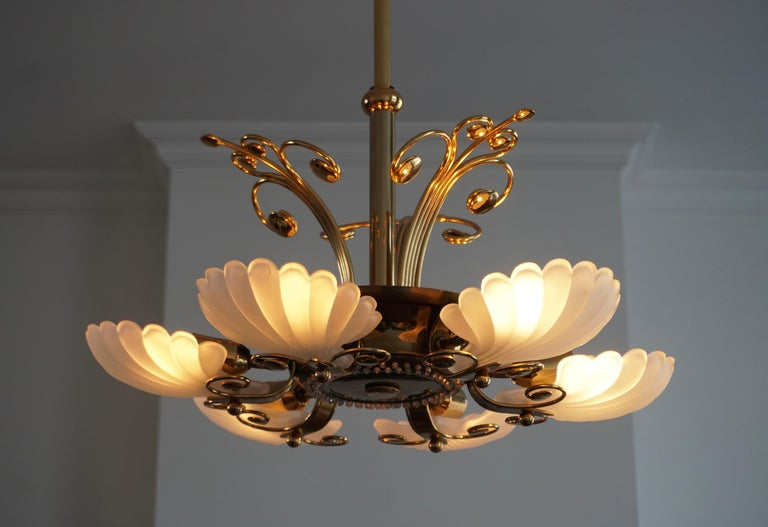 Italian Chandelier in Brass with Murano Glass Shells, 1970s For Sale 4