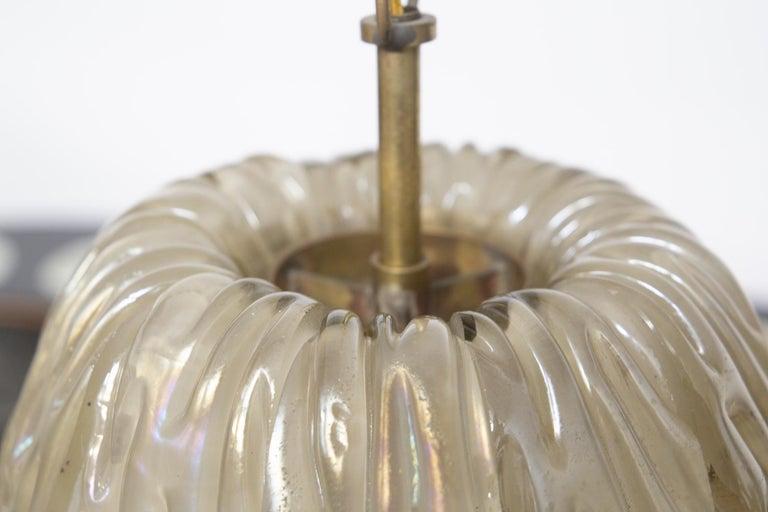 Italian Chandelier Venini Pendant in Irridescent White Glass For Sale 4