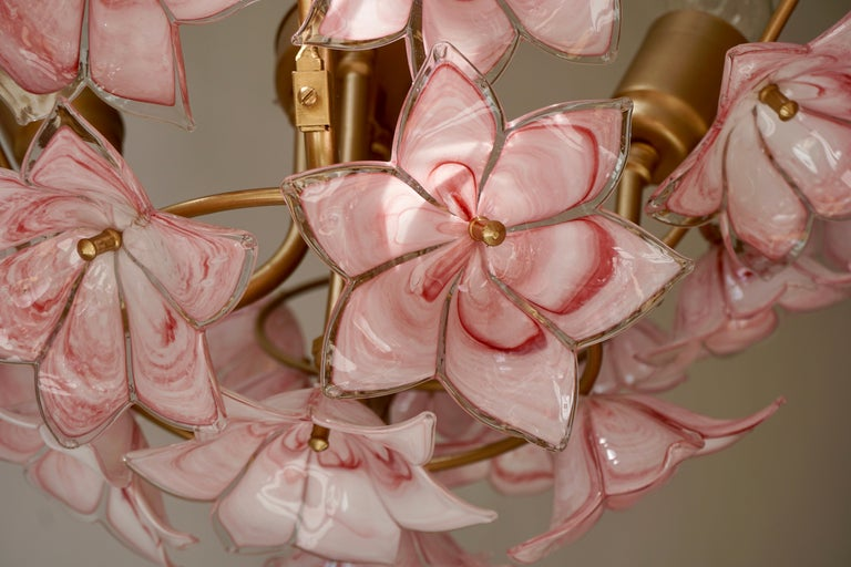 Italian Chandelier with Pink White Murano Glass Flowers For Sale 5