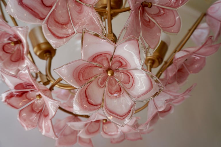 Italian Chandelier with Pink White Murano Glass Flowers For Sale 6