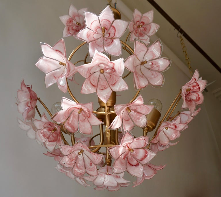 Hollywood Regency Italian Chandelier with Pink White Murano Glass Flowers For Sale