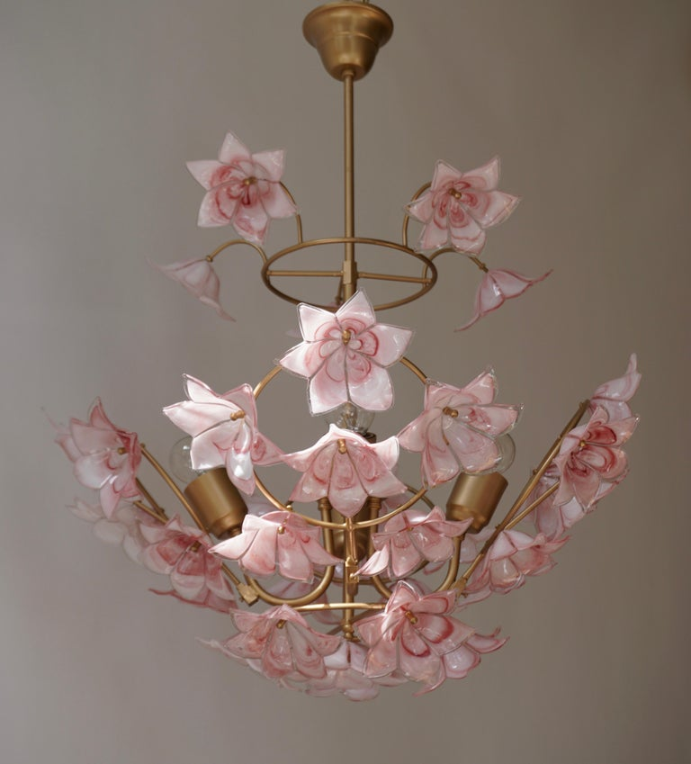 Italian Chandelier with Pink White Murano Glass Flowers For Sale 3