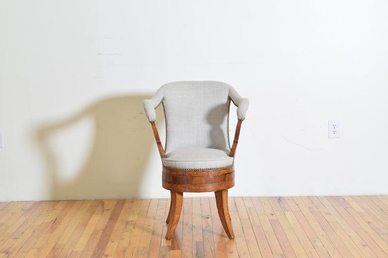 Italian Charles X Period Rosewood and Maple Veneered Armchair, circa 1830-1840 In Good Condition In Atlanta, GA