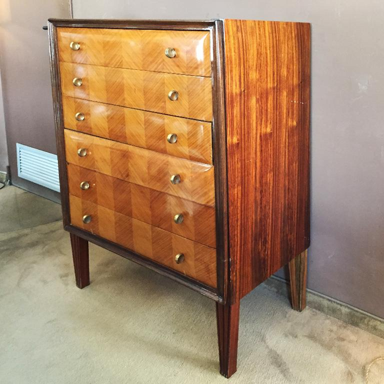 Stunning Italian chest of drawers in wood , 1940s.