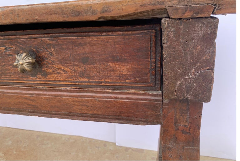 Italian circa 1650s Tuscan Console with Single Board Walnut Top and Three Drawer For Sale 8