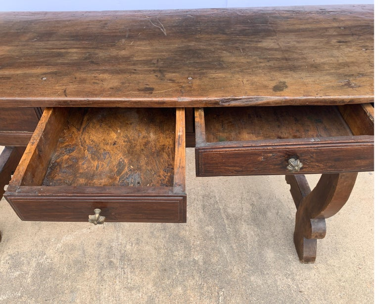 Italian circa 1650s Tuscan Console with Single Board Walnut Top and Three Drawer For Sale 13