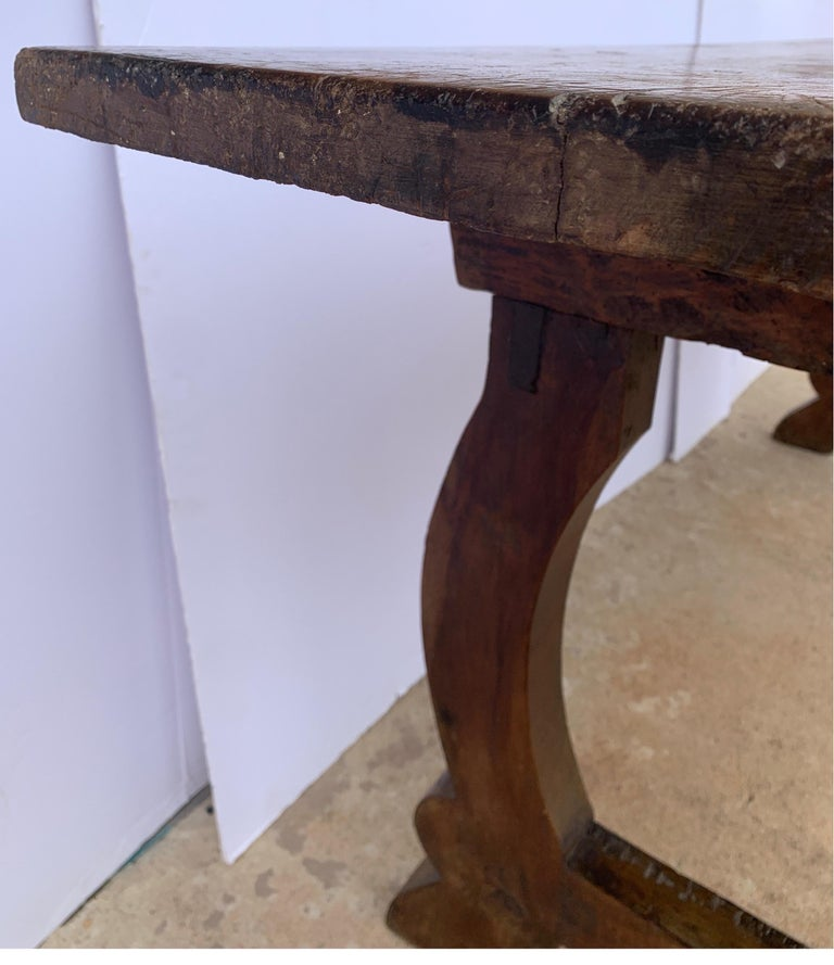Italian circa 1650s Tuscan Console with Single Board Walnut Top and Three Drawer For Sale 1