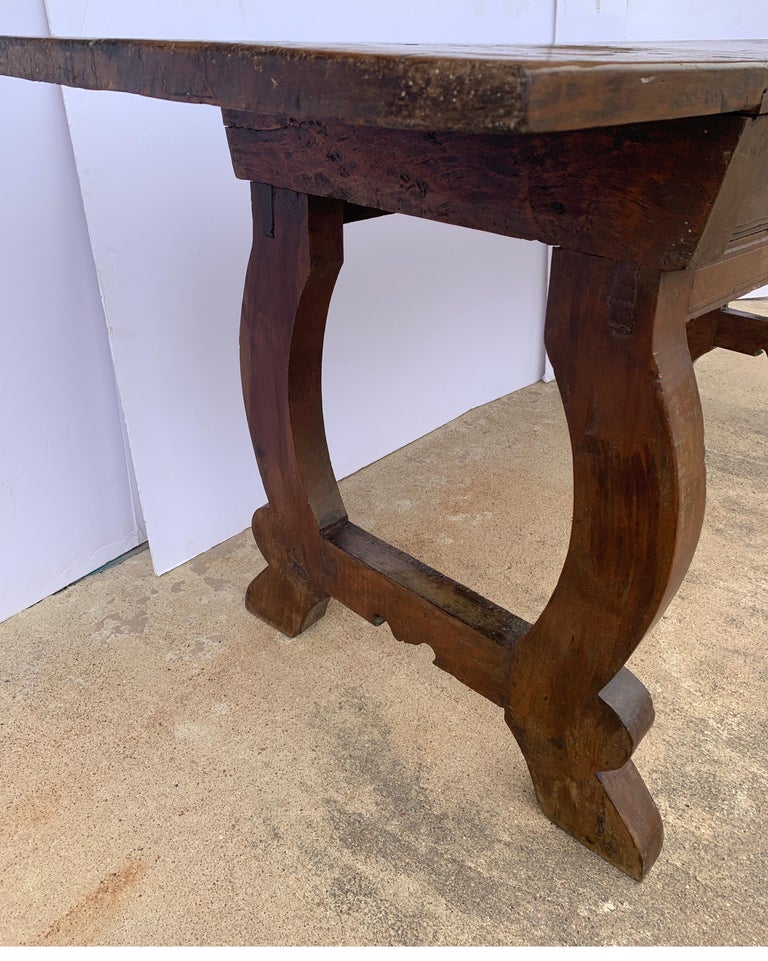 Italian circa 1650s Tuscan Console with Single Board Walnut Top and Three Drawer For Sale 2