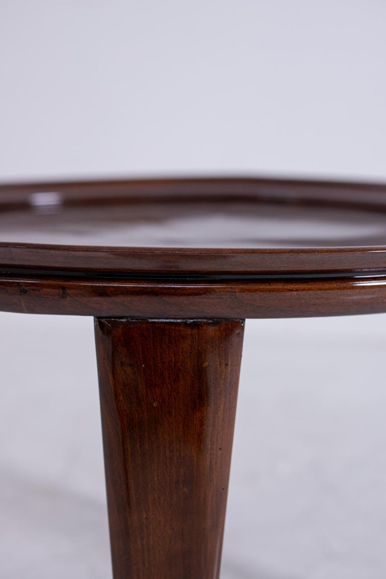 Italian Coffee Table in Walnut, Restored 1950s For Sale 7