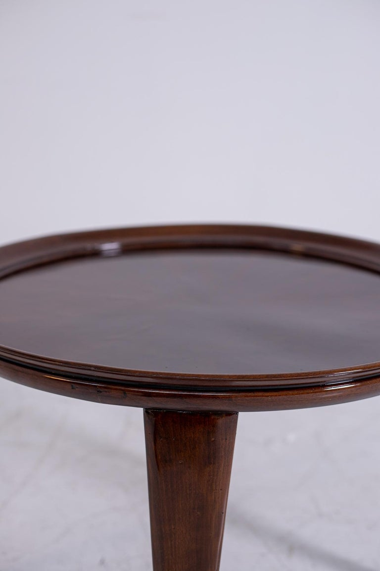 Italian Coffee Table in Walnut, Restored 1950s For Sale 4