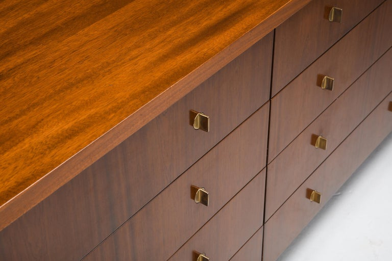 Italian Commode with Drawers Attributed to Carlo Scarpa For Sale 2