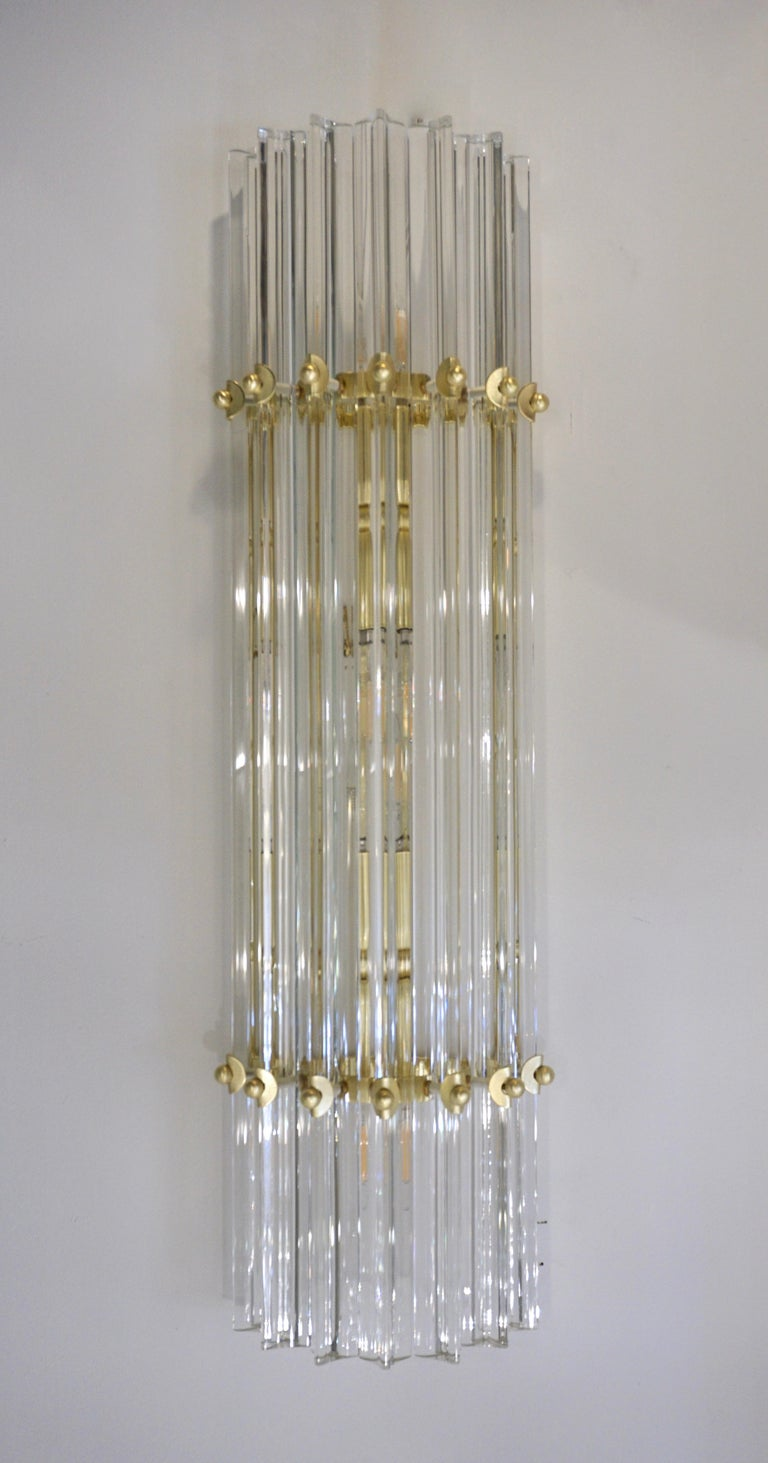Italian Contemporary Minimalist Pair of Satin Brass Crystal Murano Glass Sconces For Sale 6