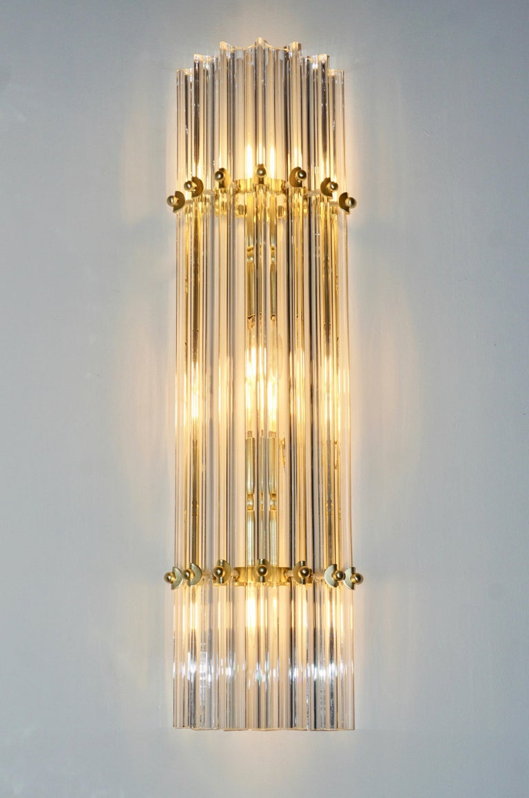 Italian Contemporary Minimalist Pair of Satin Brass Crystal Murano Glass Sconces For Sale 2