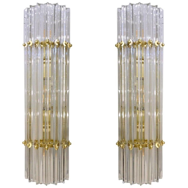 Italian Contemporary Minimalist Pair of Satin Brass Crystal Murano Glass Sconces For Sale