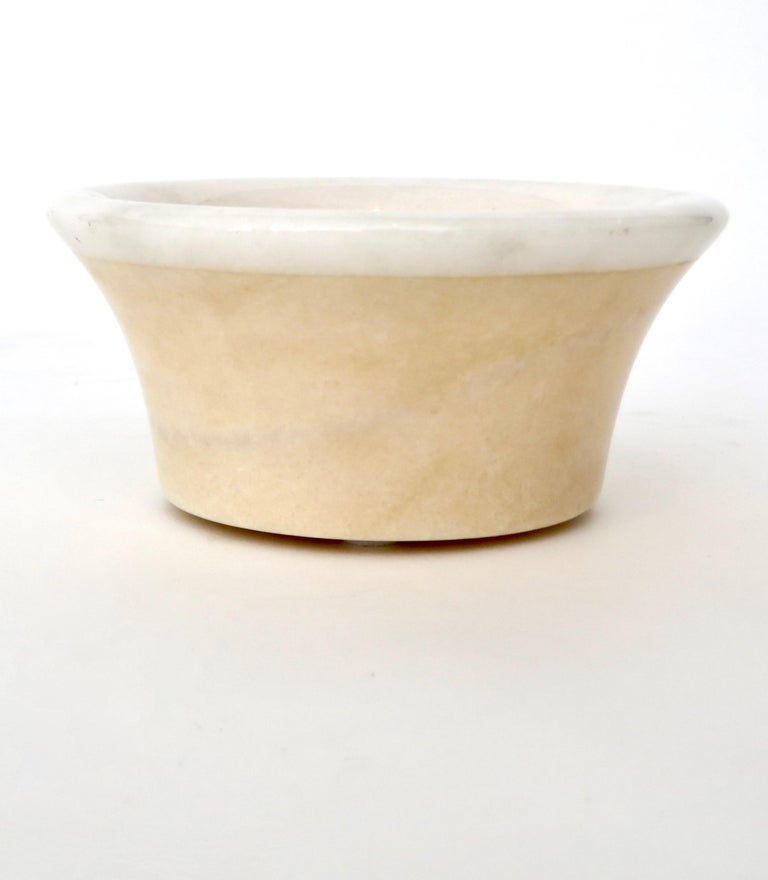 Mid-20th Century Italian Cream and White Marble Bowl Dish or Vide Poche For Sale