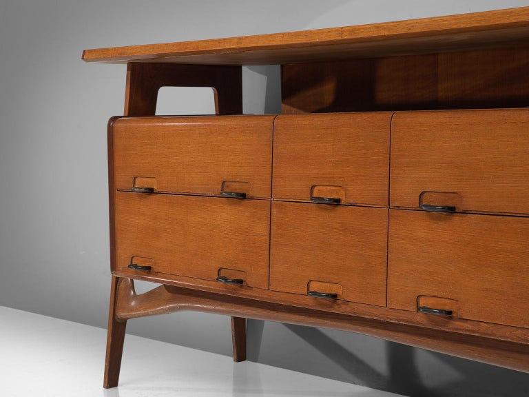 Italian Credenza in Fruitwood and Glass For Sale 1