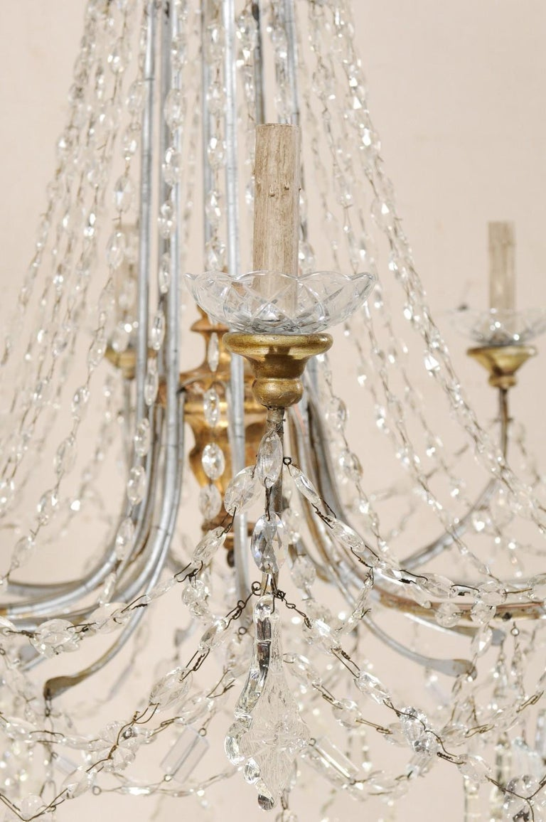 Italian Crystal Eight-Light Chandelier from the Mid-20th Century For Sale 4