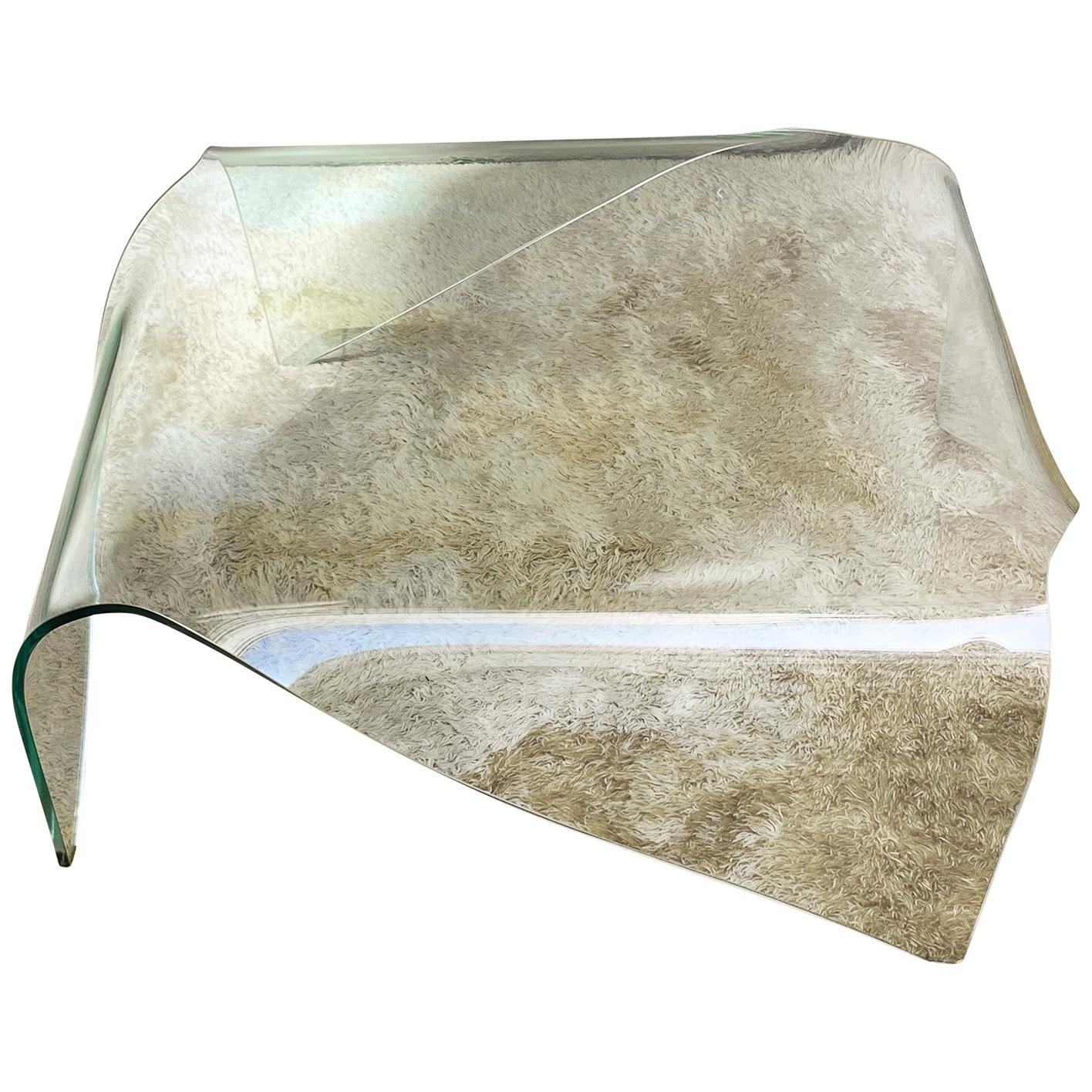 Italian Curved Glass Coffee Table Attributed to Fiam, 1970s