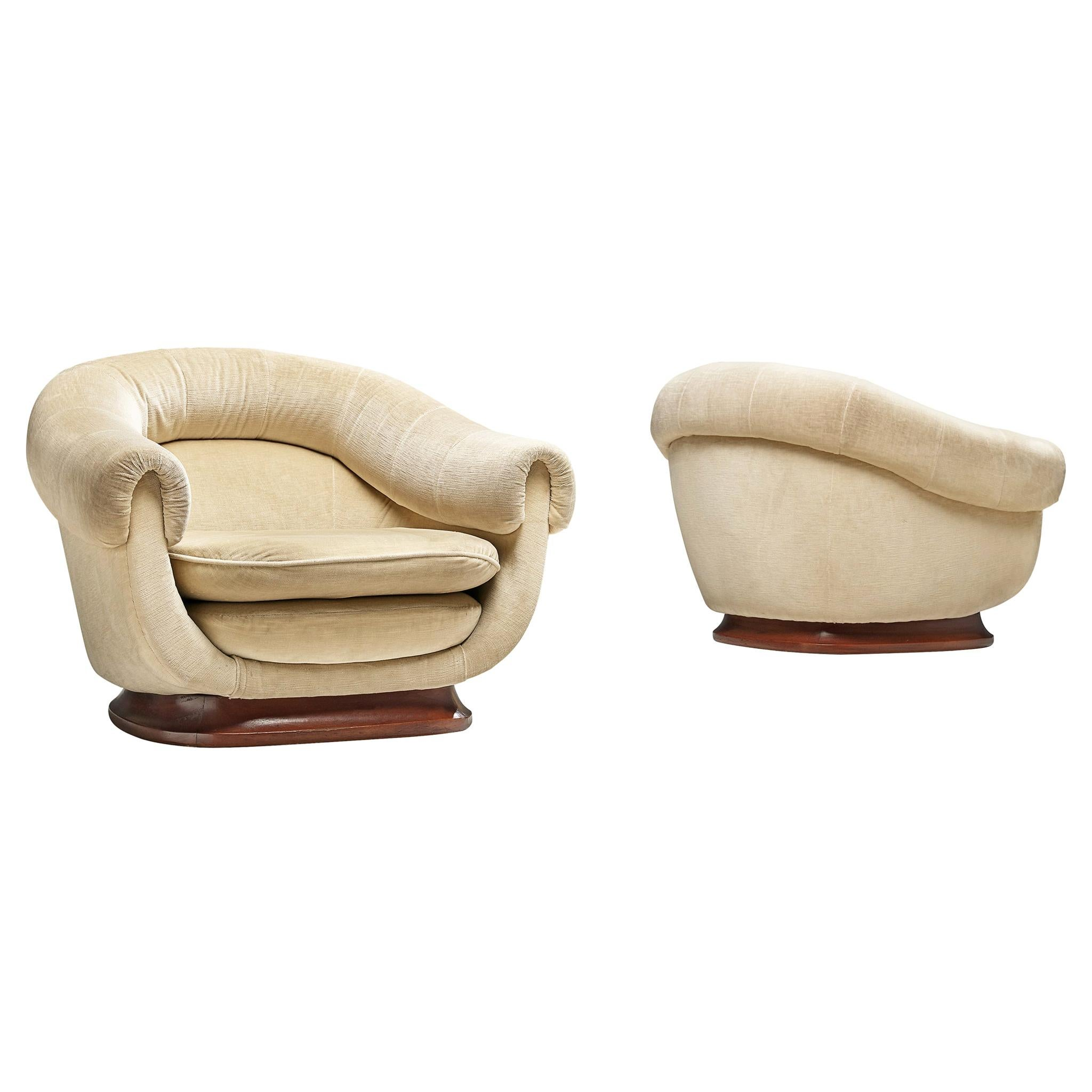 Italian Curved Lounge Chair in Light Beige Velours