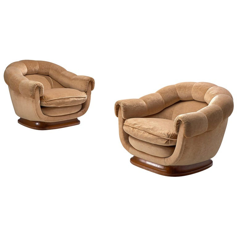 Italian Curved Pair of Lounge Chairs in Light Camel Velours, 1950s For Sale