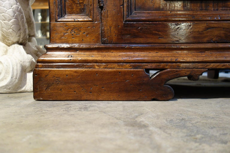 17th Century Style Italian Rustic 2 Door Old Poplar Credenza with 2 Drawers For Sale 14