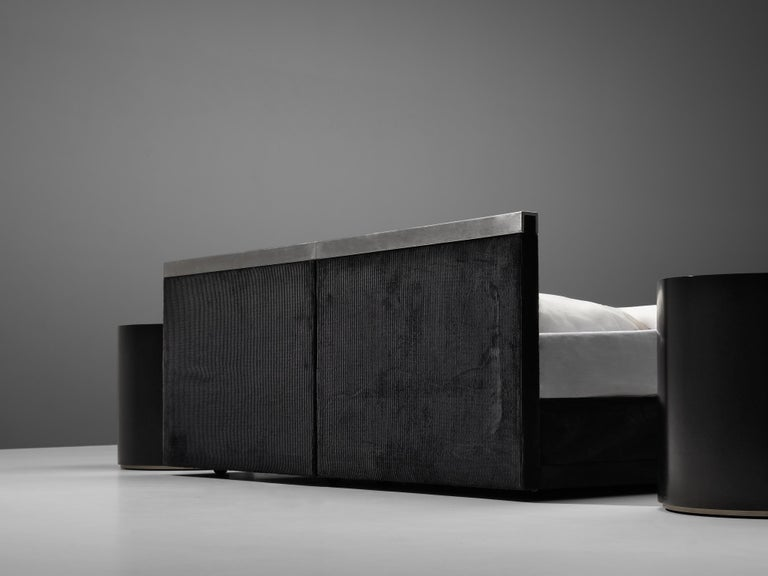 Late 20th Century Italian Custom-Made Bed by Bazzani with Gianni Moscatelli Nightstands For Sale