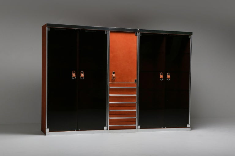 Late 20th Century Italian Design Dresser in Cognac Leather, Chrome and Black Glass for Hermès For Sale