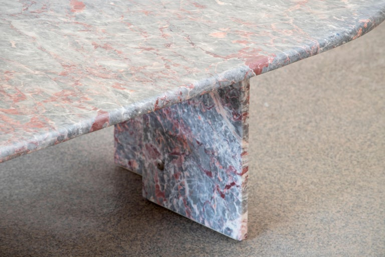 Italian Design Marble Coffee Table, 1970 For Sale 6